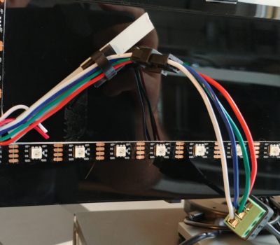 Hier sieht man den Anschluß an das DIY Kabel.